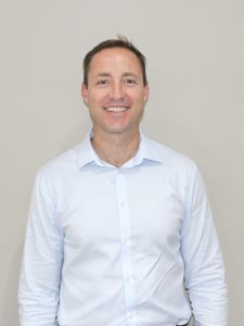 Dr. Chris Ettmayr